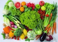 Фрукты и овощи летом. Полезные свойства