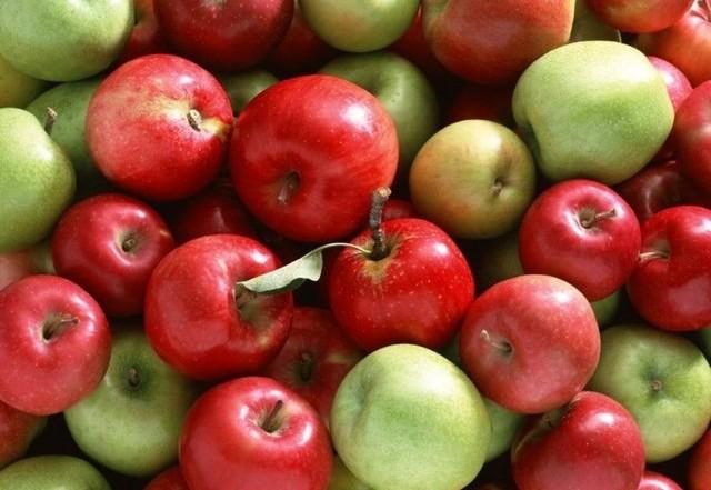 Яблоки Амброса Италия оптом